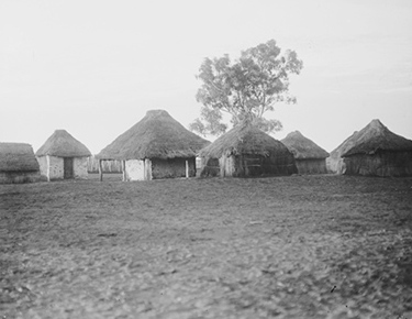 Aboriginal dwellings at Hermannsburg in the Northern Territory, 1923